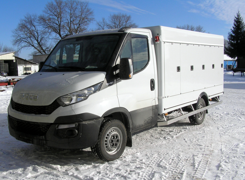 Iveco Daily refrigerated truck with eutectic cooling