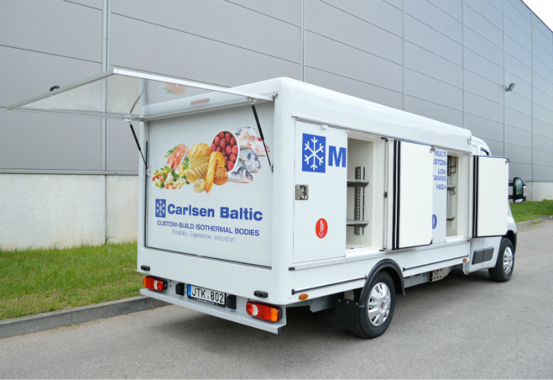 Multi-temperature truck with rear advertising panel