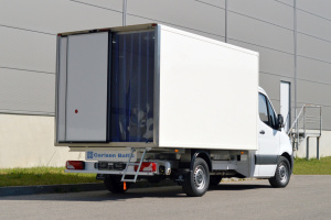 Sprinter refrigerated truck with Thermo King cooling unit for sale